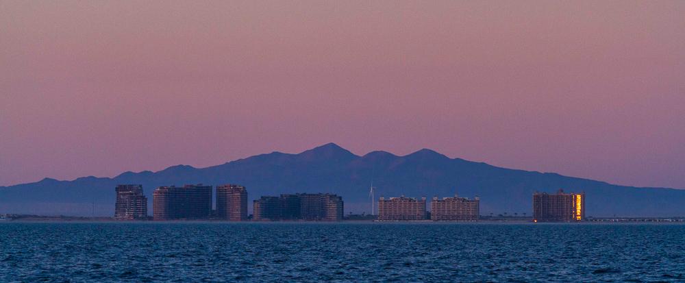 PuertoPenascoBajaEcoFun - Puerto-Penasco-Eco-Fun-Whale-Watching-Baja-Mexico-Skyline.jpg